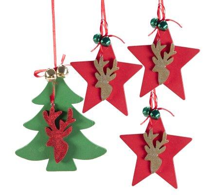 Lot de 4 suspensions déco sapin en bois 3 étoiles rouges et 1 sapin vert avec tête de cerf