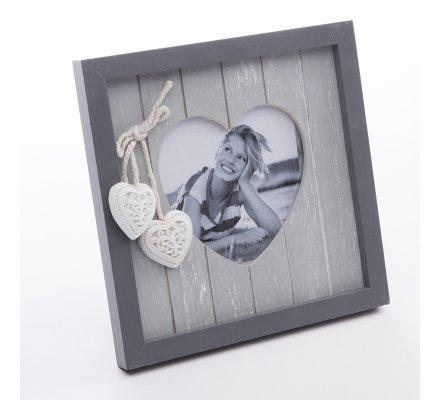 Cadre photo portrait coeur en bois gris et suspension coeur