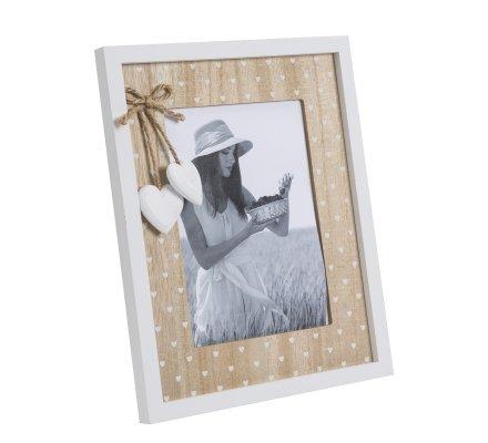 Cadre photo à poser contour blanc, fond bois naturel avec coeurs blancs